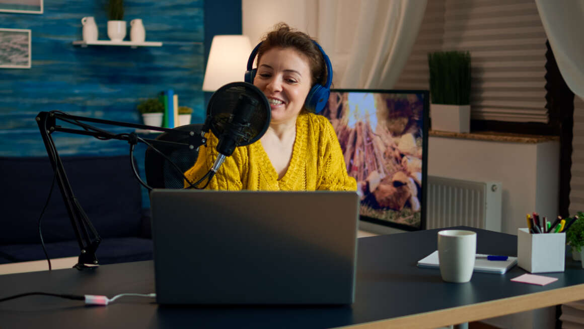 How to start your own Podcast, a practical guide  How to start your own Podcast, a practical guide influencer wearing headphones recording new podcas GE4MEUU 1160x653